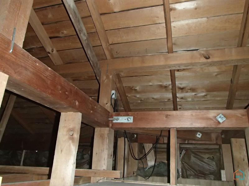 屋根裏の状態