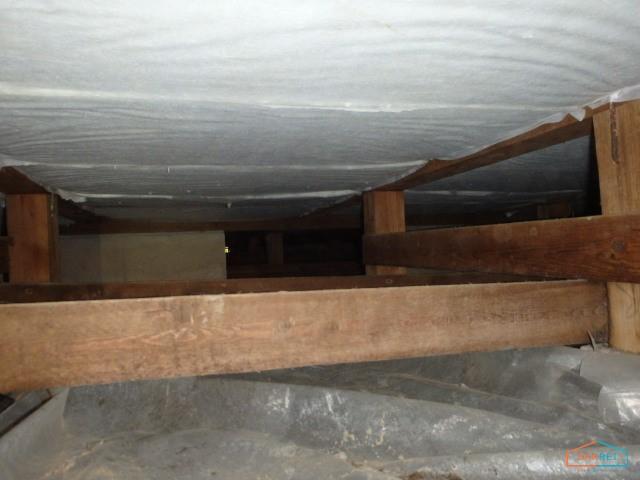 床下の断熱施工後